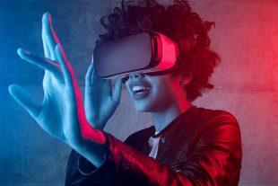 Immersive storytelling directly influences the audience's perceived experience of the story